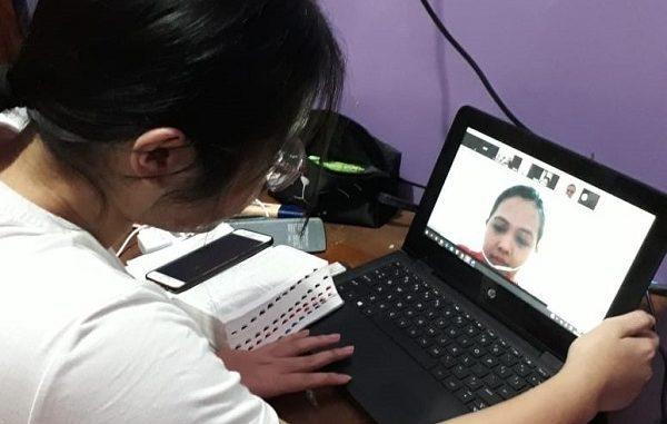 Pembelajaran online peserta didik saat belajar di rumah karena wabah virus Corona