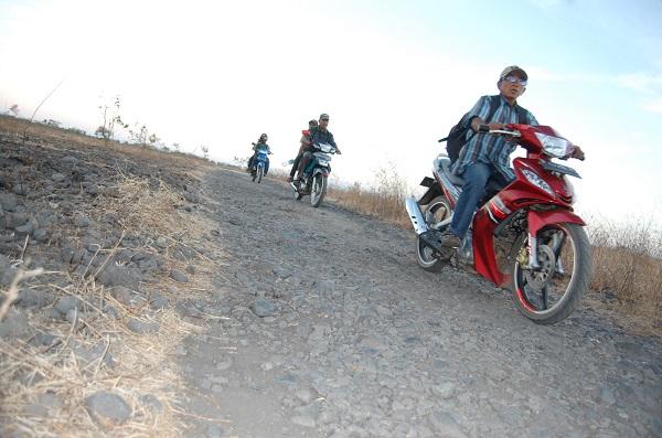 Pengunjung Taman Nasional Baluran