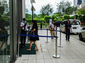 alat thermo scanner seperti terlihat di sejumlah perkantoran yang ada di Sudirman Central Business District atau SCBD merupakan kawasan bisnis yang terletak di Jakarta Selatan, pada Kamis, 5 Maret 2020.