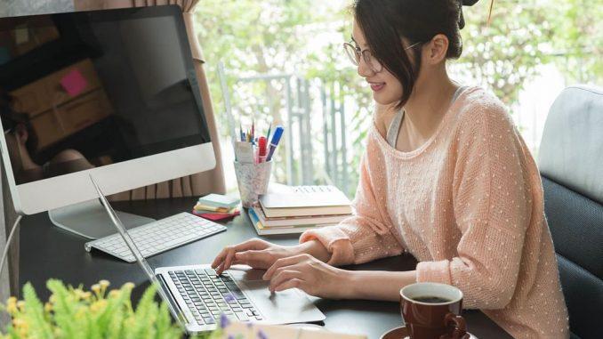 Ilustrasi: Tips bekerja di rumah. (Ist)
