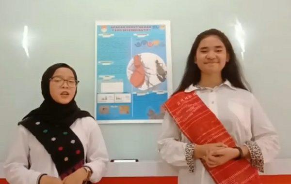 Dua peneliti milenia dari SMA Negeri 1 Medan, Provinsi Sumatera Utara, Nadya Khairussyifa dan Sarah Allycia Vernanda Siregar