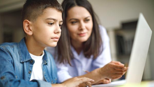 Ilustrasi: Program Belajar dari Rumah di TVRI bisa disaksikan secara online. (Ist.)