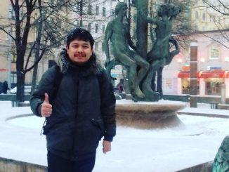 Widya Priyahita Pudjibudojo saat studi di Rusia