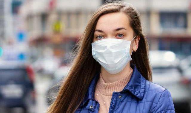 Ilustrasi: Pemerintah mewajibkan masyarakat untuk menggunakan masker ketika keluar rumah. (Ist.)