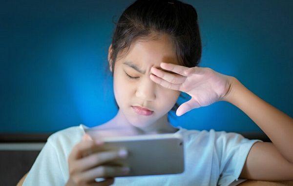 bahaya Pancaran sinar biru (blue light radiation) di smartphone, Dagdet, Sibar Biru