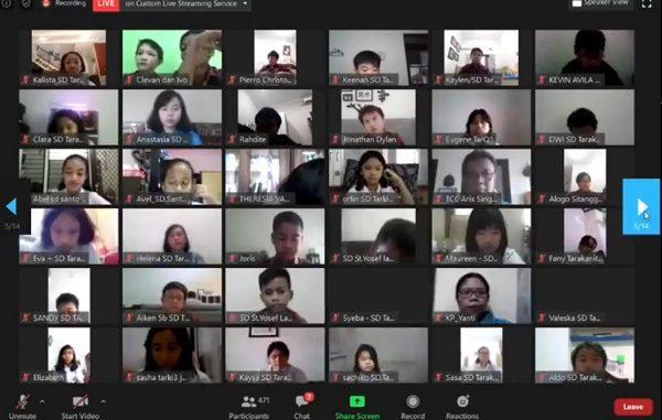 """Peserta didik SD Tarakanita dalam program #PakMenteriMengajar SD Tarakanita yang diselenggarakan oleh Yayasan Tarakanita bertema """"Belajar Online untuk Masa Depan yang Lebih Baik"""" pada Jumat, 22 Mei 2020"""