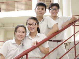 Siswa SMA Singapura di Victoria Junior College