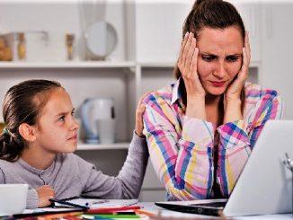 Work from home (WFH) bagi orang tua dan home learning bagi anak, dua kegiatan yang berlangsung bersama-sama saat harus di rumah demi memutus rantai perkembangan Virus Corona. (KalderaNews/Ist)