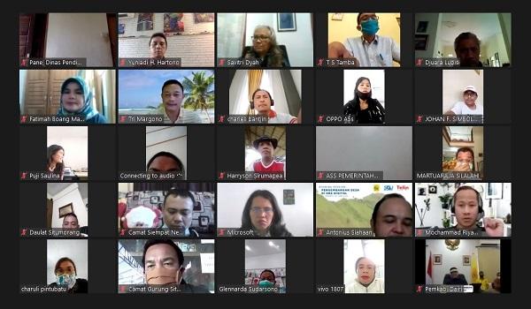 """Peserta Sharing Session """"Pengembangan Desa di Era Digital"""" yang diselenggarakan Program MBA Swiss German University (SGU) bekerjasama dengan Telin dan Pemda Kabupaten Dairi pada Sabtu, 27 Juni 2020 (KalderaNews/JS de Britto)"""