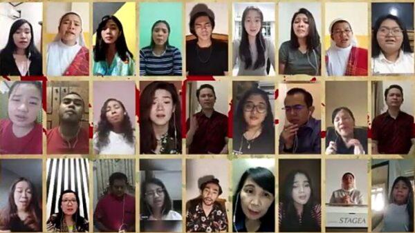 """Kolaborasi penyanyi dari Fakultas Pendidikan dan Bahasa Unika Atma Jaya Jakarta melagukan """"Doa Bagi Bangsa"""". (repro: y.prayogo/KalderaNews.com)"""