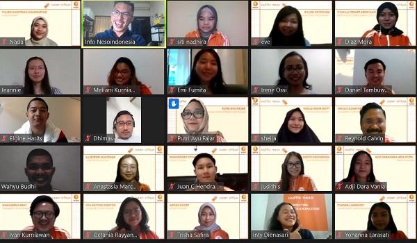 Para penerima beasiswa OTS (Orange Tulip Scholarship) 2020 di acara Orange Tulip Scholarship Awardees Gathering, Sabtu, 25 Juli 2020