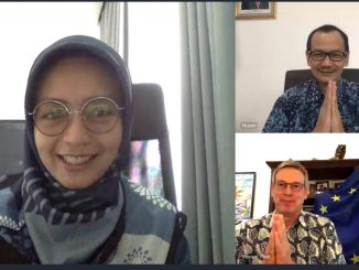 Duta Besar Uni Eropa untuk Indonesia Vincent Piket dan Dirjen Dikti Kemendikbud RI, Prof Ir. Nizam, MSc, DIC, PhD.