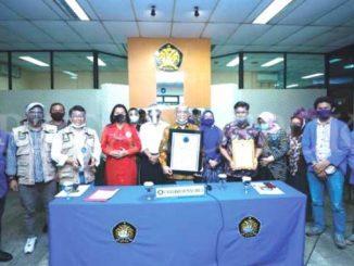 Universitas Pancasila menerima penghargaan dari BNN. (Ist.)
