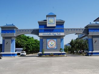 Gerbang Universitas Hang Tuah Surabaya