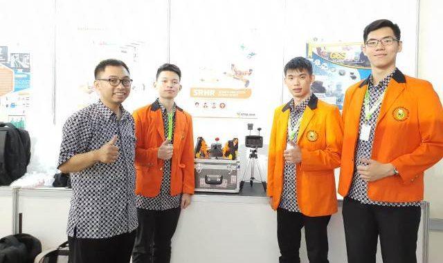 Mahasiswa Teknik Mesin Fakultas Teknik Universitas Katolik Indonesia Atma Jaya Jakarta berhasil mengembangkan robot pendeteksi korban bencana gempa. (Dok. Unika Atma Jaya)