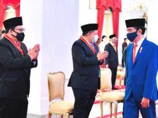 Presiden Joko Widodo usai memberikan anugerah tanda jasa dan kehormatan di Istana Negara Jakarta. (Ist.)