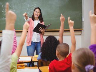 Guru dan murid di kelas, Sekolah termahal di Jakarta, Sekolah mahal Jakarta,