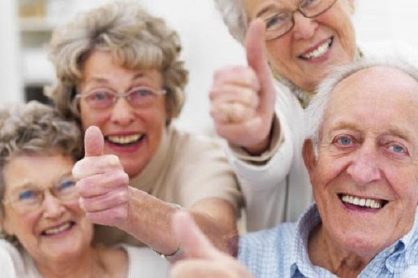 Salah satu penelitian terlama di dunia dari Harvard tentang bahagia menemukan bahwa bahwa orang-orang yang bernasib paling baik adalah orang-orang yang memelihara hubungan baik dengan keluarga, teman, dan komunitas (KalderaNews/Ist)