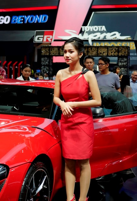 Sales Promotion Girl (SPG) atau usher di gelaran GAIKINDO Indonesia International Auto Show (GIIAS) 2019 di Indonesia Convention Exhibition (ICE) BSD City, Tangerang Selatan, Sabtu, 20 Juli 2019