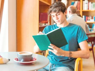 Ilustrasi: 7 manfaat membaca buku. (KalderaNews.com/Ist.)