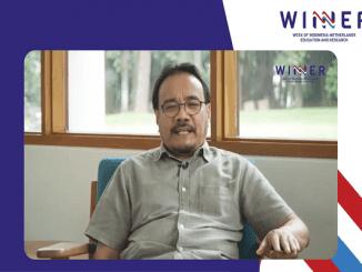 Profesor Daniel Murdiyarso, peneliti CIFOR dan Profesor IPB memaparkan hasil penelitian mengenai fungsi hutan bakau sebagai lahan basah untuk mitigasi perubahan iklim (KalderaNews/Syasa Halima)