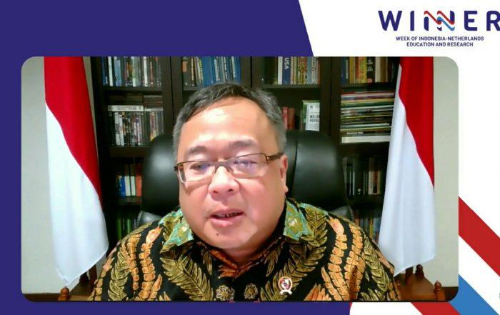 Menteri Riset dan Teknologi (Menristek)/Kepala Badan Riset dan Inovasi Nasional (BRIN), Prof. Bambang Permadi Soemantri Brodjonegoro, S.E., M.U.P., Ph.D saat pembukaan Week of Indonesia-Netherlands Education and Research (WINNER), Selasa, 24 November 2020