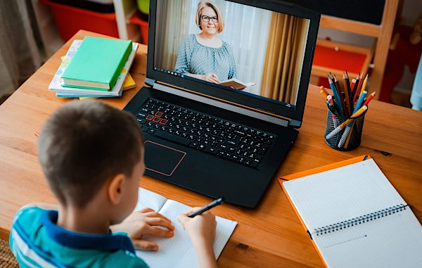 Ilustrasi belajar daring di rumah (KalderaNews/Ist)