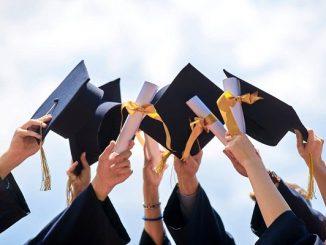 Wisuda merupakan tahap seorang mahasiswa sudah memiliki pola pikir ilmiah (KalderaNews/Ist)