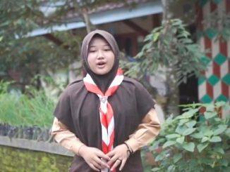 Syifa Asni Aulia, siswi Madrasah Tsanawiyah (MTs) NU 2 Cilongok, Banyumas, Jawa Tengah juara Vlog Penggalang tingkat nasional. (KalderaNews.com/Dok. Pribadi)