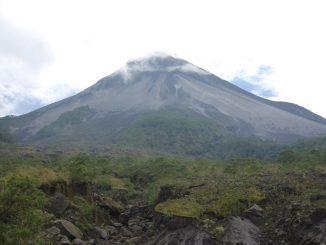 Gunung Merapi di perbatasan DIY dan Jawa Tengah