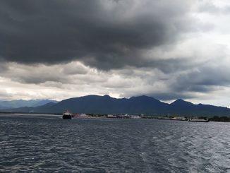Mendung di atas Pelabuhan Gilimanuk