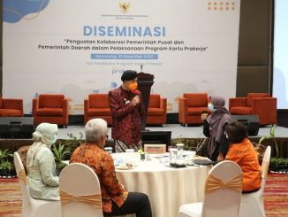 """Gubernur Jawa Tengah, Ganjar Pranowo di acara """"Penguatan Kolaborasi Pemerintah Pusat dan Pemerintah daerah dalam Pelaksaan Program Kartu Prakerja"""" di Hotel Gumaya Kota Semarang, Kamis, 10 Desember 2020"""