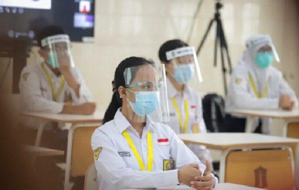 Simulasi Sekolah Tatap Muka di SMPN 1 Surabaya