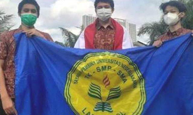 Siswa SMA Labschool Jakarta menjadi juara pertama di ajang ASEAN Quiz 2020. (KalderaNews.com/Ist.)