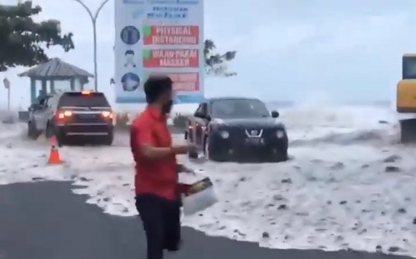 Banjir Rob di Manado