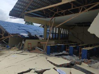 Salah satu sekolah yang rusak parah akibat gempa di Sulawesi Barat