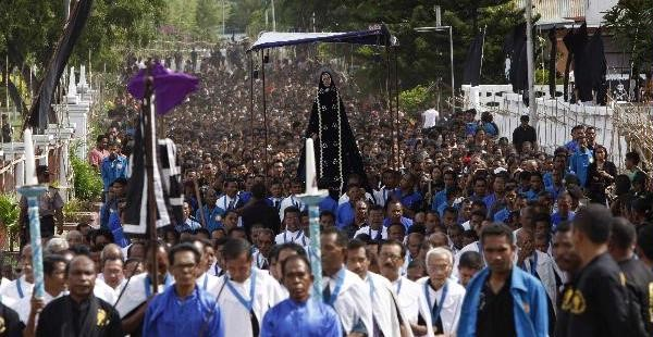 Prosesi upacara Semana Santa, Larantuka