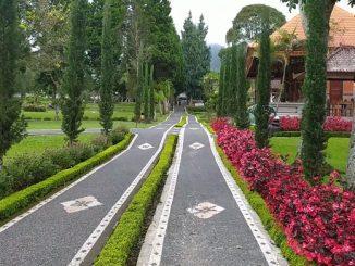 Taman di Pura Ulun Danu Beratan di Bedugul