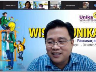 Rektor Unika Soegijapranata Prof Dr F Ridwan Sanjaya MS IEC saat menjelaskan paparannya terkait tiga terobosan jelang wisuda periode I tahun 2021 Unika Soegijapranata
