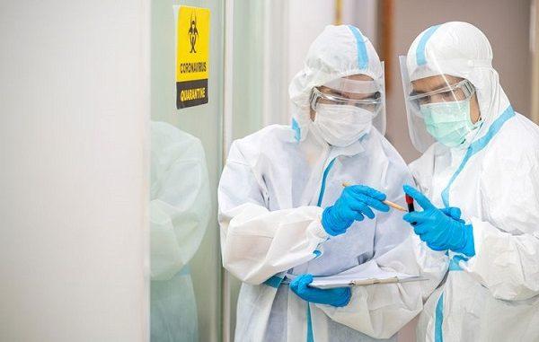 Tenaga kesehatan di masa pandemi Covid-19, Perawat, Dokter
