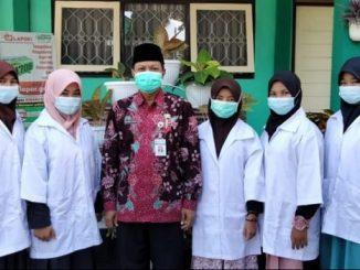 Peneliti MAN 4 Kebumen: Maura Ros Valentina, Alma Sakia Zahro, Letty Latifah, Sri Kuwati dan Maryam Fia Kunanti