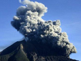 erupsi gunung, gunung meletus, lempeng tektonik
