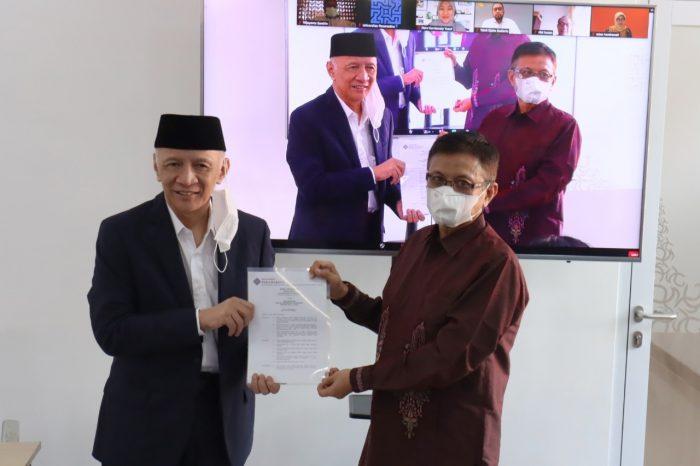 Hendro Martowardojo (Ketua Umum Yayasan Wakaf Paramadina) dan Prof. Didik J. Rachbini, M.Sc., Ph.D. (Rektor Universitas Paramadina 2021-2025)