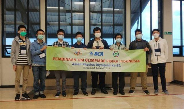 Pelajar Indonesia meraih medali di Asian Physics Olympiad (AphO) 2021. (KalderaNews.com Ist.)