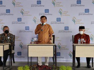 Dr. (H.C.) Drs. H. Muhammad Jusuf Kalla sebagai Dewan Pembina YWP dan selaku Ketua Dewan Masjid Indonesia (DMI) saat peluncuran Lembaga Wakaf Paramadina (LWP) di Aula Universitas Paramadina pada Jumat, 18 Juni 2021