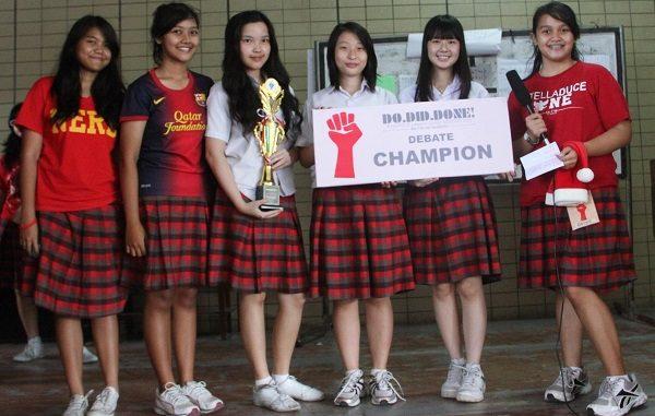 Peserta didik SMA Stella Duce 1 Yogyakarta