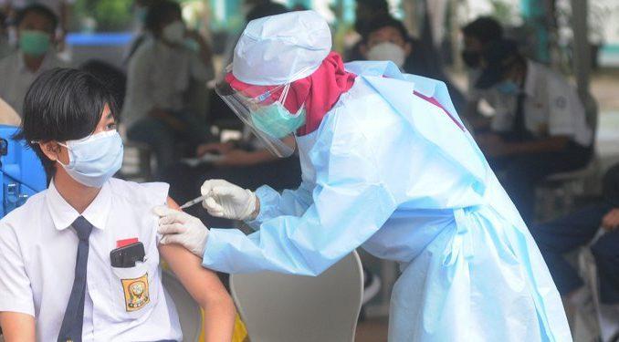 Ilustrasi: Vaksinasi Covid-19 untuk pelajar. (KalderaNews.com/Ist.)