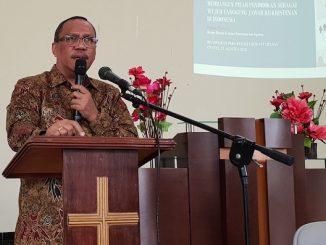 Dirjen Bimas Kristen Kementerian Agama, Prof. Thomas Pentury M.Si