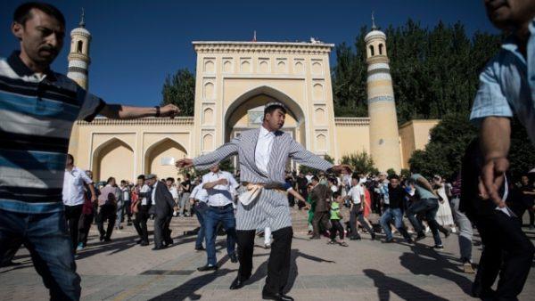 Masyarakat Muslim di Xinjiang Tiongkok