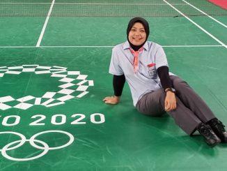 Qomarul Lailah, guru pelajaran bahasa Inggris di SD Negeri 1 Sawunggaling Surabaya yang jadi wasit internasinal di cabang bulutangkis Olimpiade Tokyo 2020